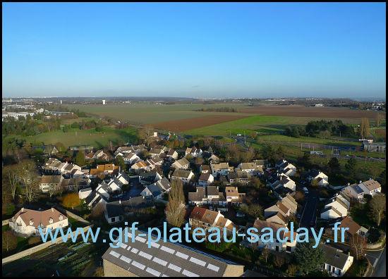 Vue aérienne des champs du Plateau de Saclay à la verticale de Saint aubin